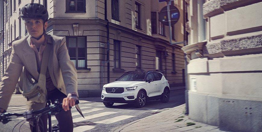Volvo XC40. Perché la strada è di tutti.